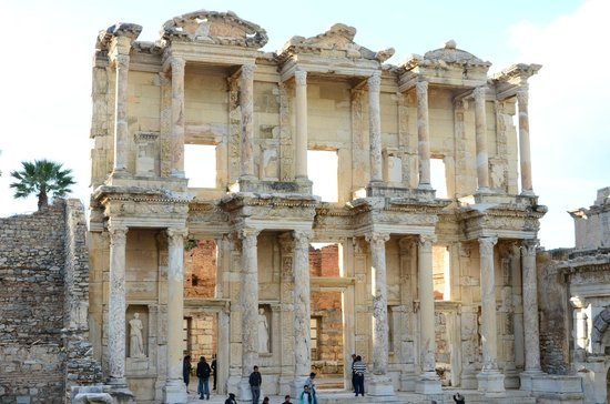 Ephesus Tours : Celsius Library