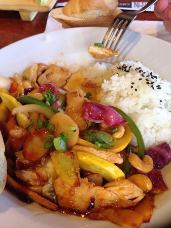 Jasmine Cafe & Lounge: Chicken coconut curry