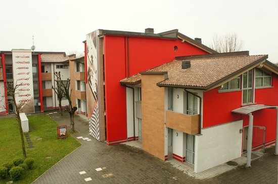 Hotel Maranello Village : One of the buildings on the premises