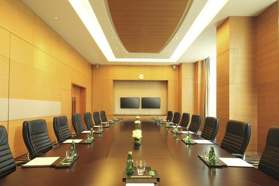 DoubleTree by Hilton Hotel Hangzhou East : board room