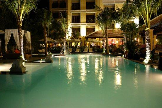 Essence Hoi An Hotel & SPA: Pool area Looking toward terrace