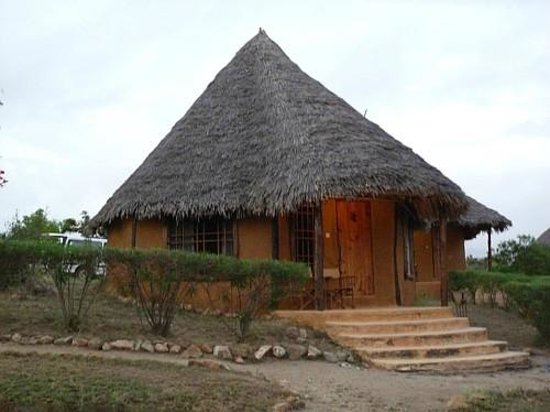 Tsavo Buffalo Camp: Our house