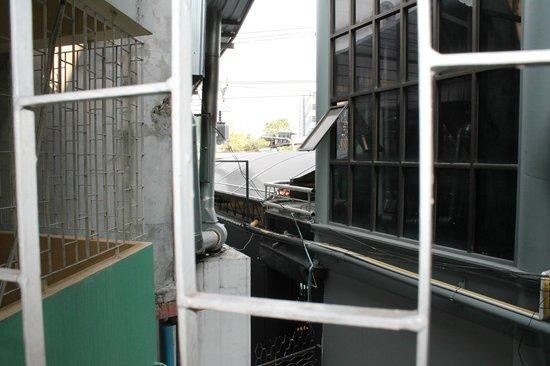 Thai City Palace: вид из окна...