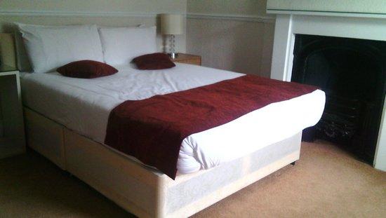 The Tophams Hotel Belgravia: Habitación enana. Del baño megacutre no saqué para no recordar lo pagado Vs lo disfrutado.