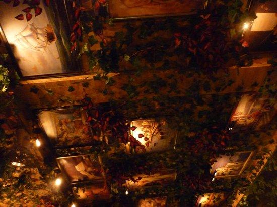 Restoran Porto: Это потолок в ресторане Порто :)