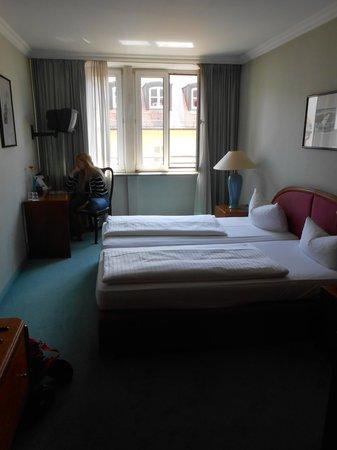Hotel Deutsches Theater: номер