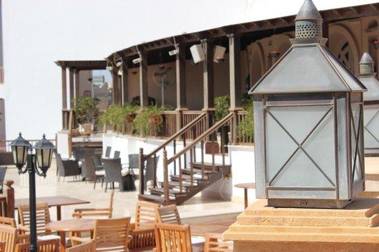 Savoy Sharm El Sheikh: Outside the Safari bar