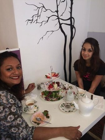 Lavender Tea Rooms: A delightful Mother's Day treat!