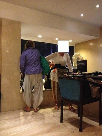 Hotel Jayshree : Scorcio della reception