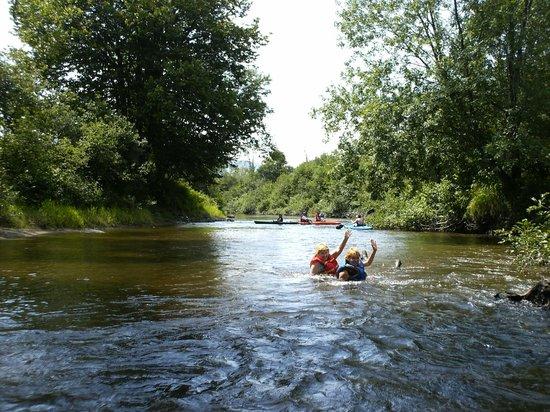 Camping Nature Plein air : baignade à la rivière