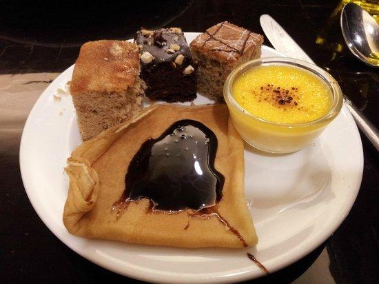 Holiday Inn Chiang Mai: Dinner Buffet - Excellent!