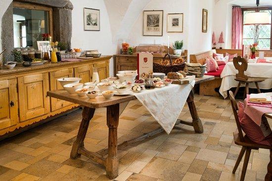 Schloss Prielau: Frühstück in der Schlossküche