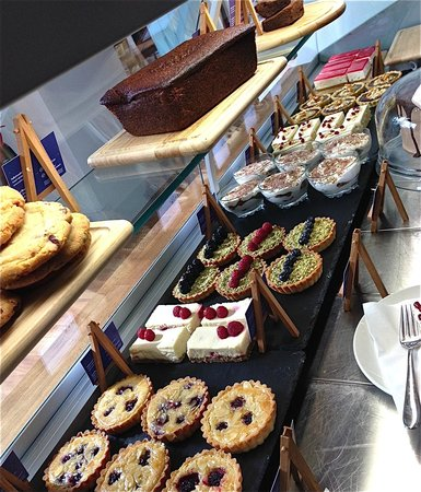 Cool River Cafe : Wonderful selection of patisserie