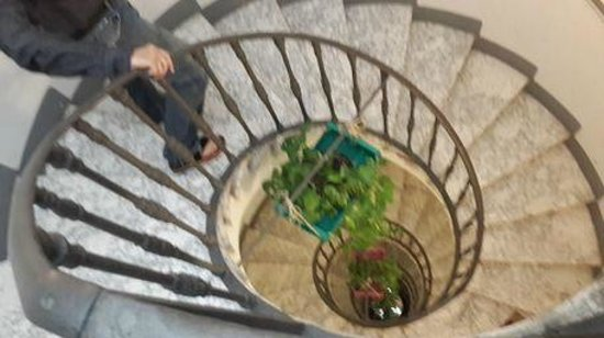Casa de'Fiori: Stairs