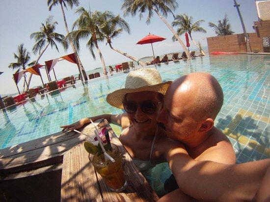 Tango Luxe Beach Villa: Happyhour cocktails
