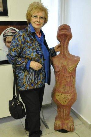 Kedi Kultur Sanat Merkezi: Karma Kadın Sanatçılar Sergisinden Ayla Coşkuner
