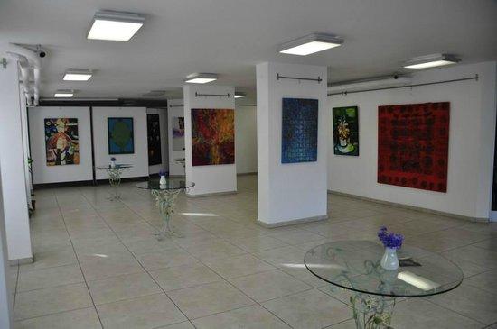 Kedi Kultur Sanat Merkezi: İranlı Genç Sanatçılar Resim Sergisi