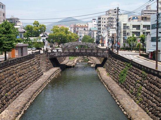 Spectacles Bridge (Meganebashi): 上から眺める