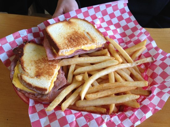 Henry's Deli-Mart: Grilled ham and cheese - toasty goodness!