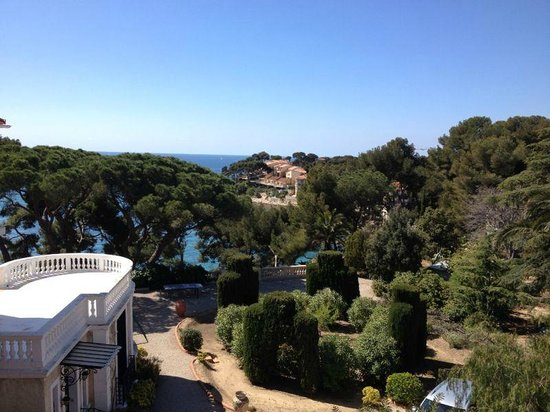 Hotel Le Provencal: Vue depuis la terrasse de la chambre