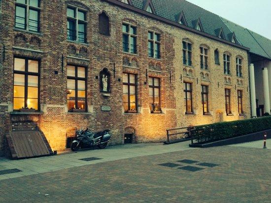 Ibis Brugge Centrum : Outside