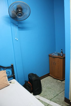 Rainbow Khaosan Hostel and Guesthouse: Room