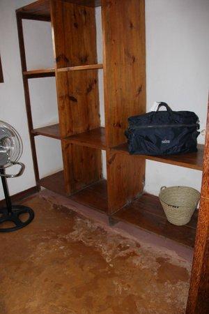 Kichanga Lodge: Dressing récup