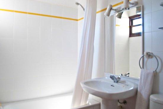 Apartamentos Sa Cornisa: Baño