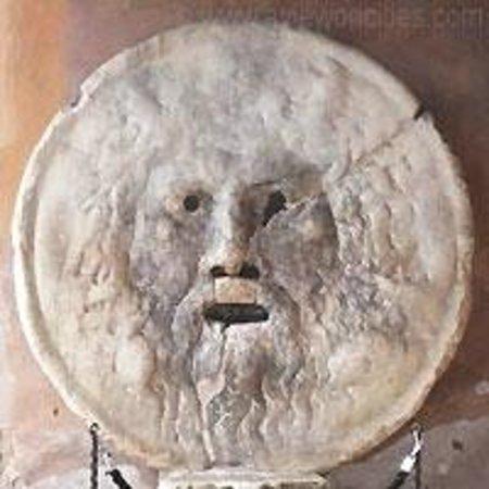 Bocca della Verita : The Mask of the Mouth of Truth