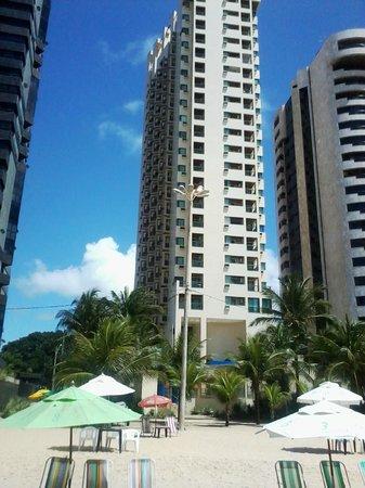 Prodigy Hotel Recife: VISTA DO HOTEL DA AREIA DA PRAIA EM FRENTE