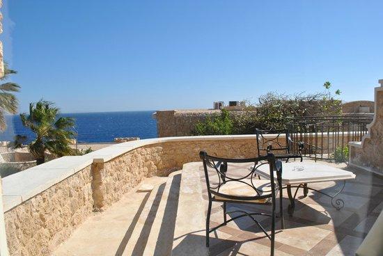 Citadel Azur Resort: Терраса в номере Делюкс
