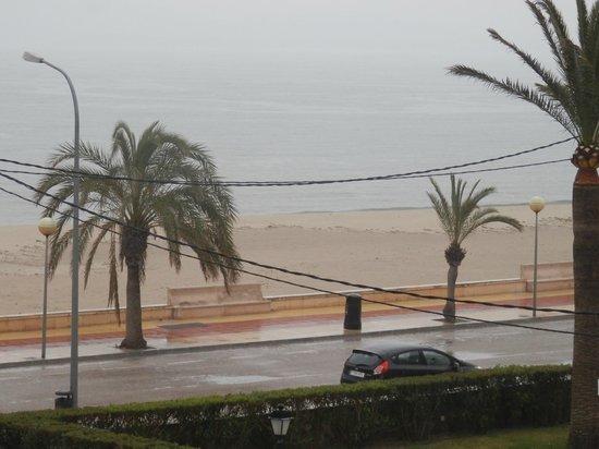 Hoposa Uyal Hotel: raining