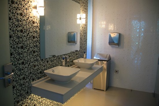 Riviera Beachotel: BAÑO GENERAL