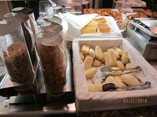 Sercotel Gran Hotel Conde Duque: Breakfast