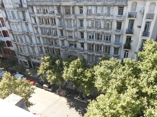 Hostel Estoril: Avenida de Mayo from rooftop