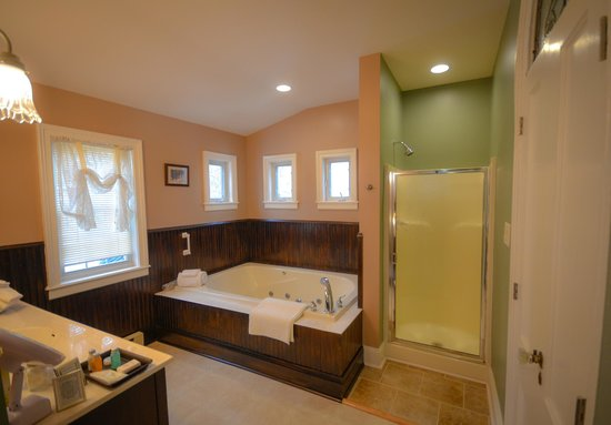 Waypoint House: Traveler's Retreat Bathroom