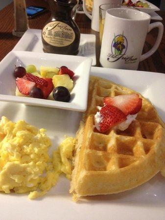 Iris Inn: breakfast!