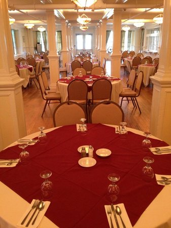 Silver Bay YMCA - Conference and Family Retreat Center: The Inn grand ballroom