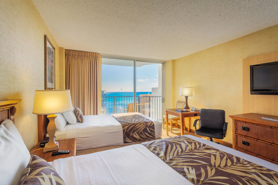 Waikiki Resort Hotel : Partial Ocean View Room