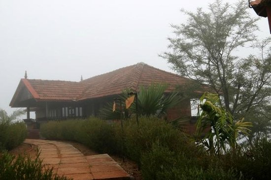 Banasura Island Retreat : Twin Cottage