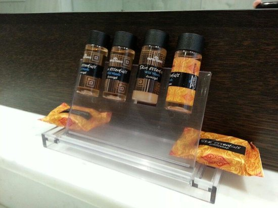 Hermes Hotel: toiletries supplied in room. only shampoo,  bar of soap and shower gel
