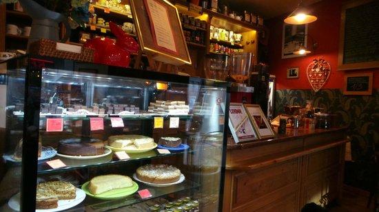 Cafe Ebel: The amazing cake cabinet