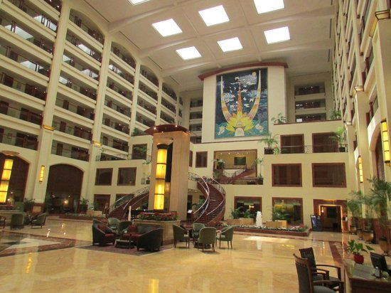 The LaLiT Mumbai : Another view of the magnanimous lobby!