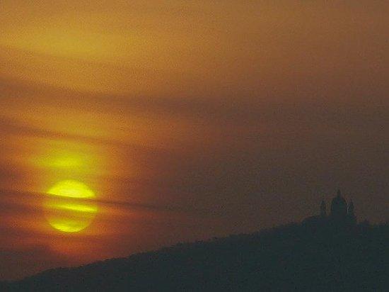 Colline di Torino: Italia: sole sorgente