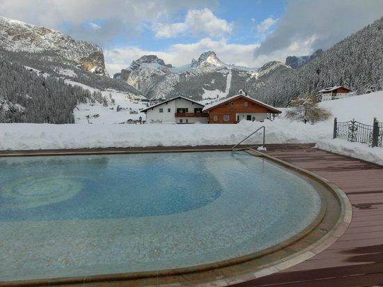 Granvara Relais & Spa Hotel: Schwimmen bis der Schnee kommt ...