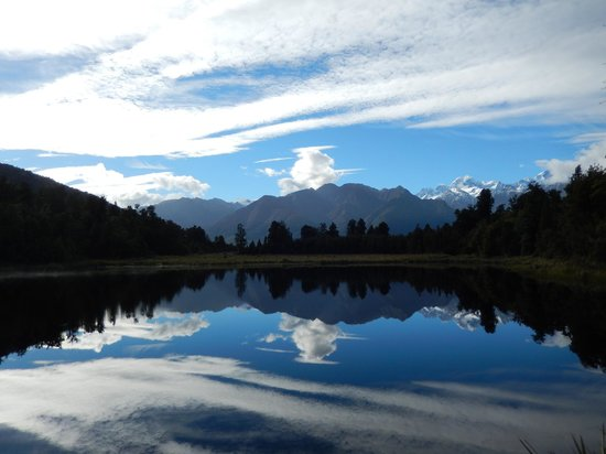 Ropatini's Homestay B & B : Lake Matheson is 10 minutes away.. I got lucky with the weather!
