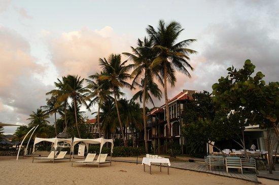 Rendezvous Resort: Beachfront