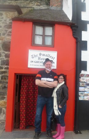 Smallest House in Britain: that's me and my wife, she could probably live in there, cos she's only little.