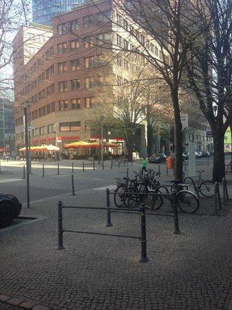 Grand Hyatt Berlin: STREETS AROUND THE HOTEL