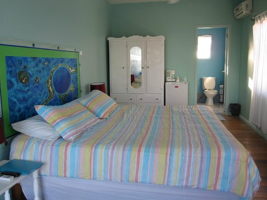 Ocean Tide Beach Resort : Blue Hole Room